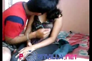 Indian Bhabhi With Show one's age - SanjanaSingh.in