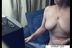 Lovely Granny with Glasses Unconforming Cam Porn