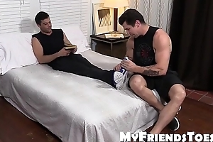 XXX hunk Trenton Ducati loves to lick and suck sexy feet