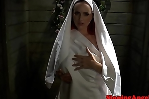 Tattooed bigtit nun getting fingerfucked