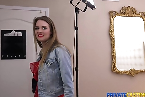 Beauteous takes emphatic for lasting sex at private casting