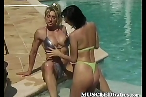 Annie Ashen muscled bikini