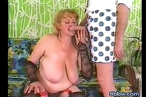 Classic Mature MILF Sucks Monster Cock - 8bbw.com